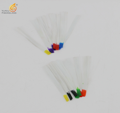 Various colors of fiberglass nail extension